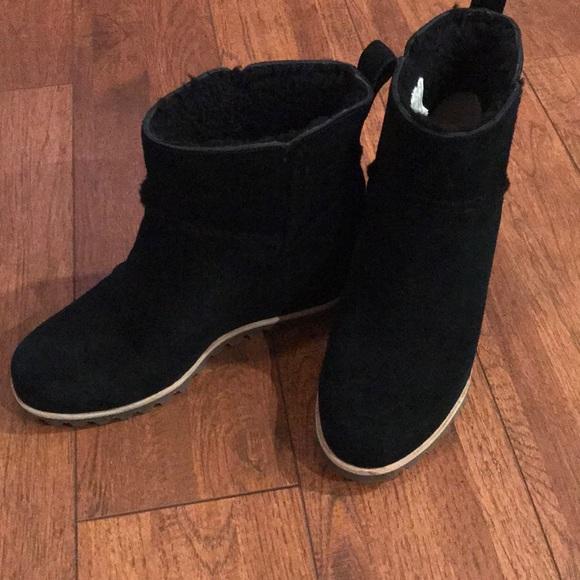 9ba37e4d71f UGG Woman's Marte Boot, Black
